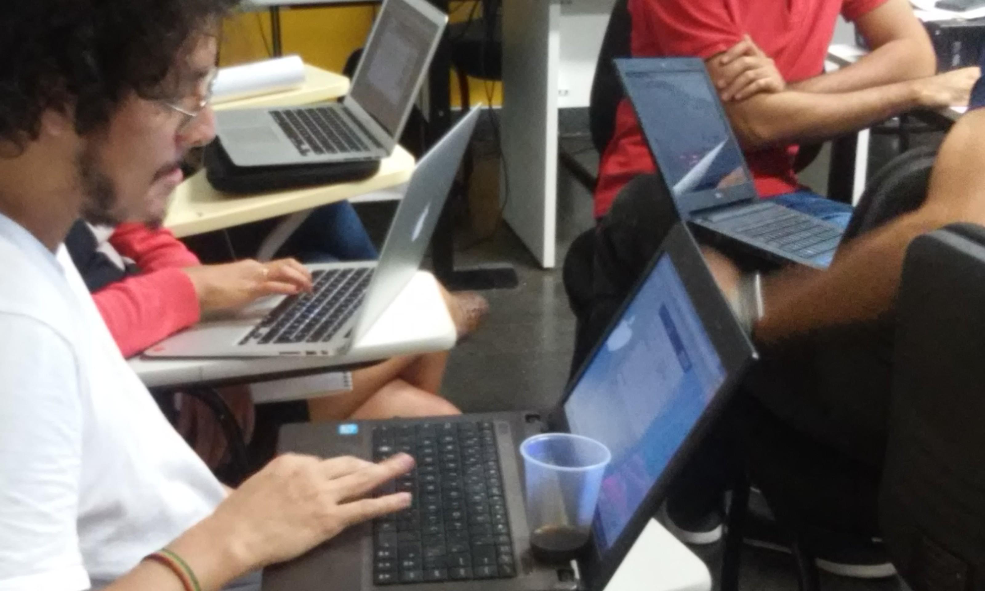 Curso gratuito vai mostrar como o jornalismo pode se beneficiar de técnicas comuns a outras áreas, como ciência da computação, design e análise de dados.
